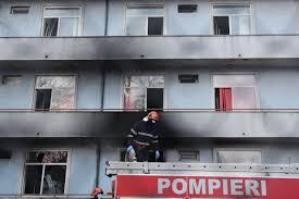 """Incendiul violent de la Spitalul Matei Balş din Bucureşti: Au ars 4 saloane. Creşte bilanţul: 5 morţi, 102 evacuaţi / Arafat: """"Toţi pacienţii erau conectaţi la oxigen, sunt pacienţi Covid, în stadiu"""