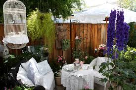 Romantic Cottage GardenRomantic Cottage Gardens