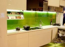 kính trang trí bếp tại Bình Dương