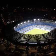 A Napoli lo stadio San Paolo illuminato per Diego Maradona
