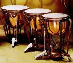 Marakas adalah alat musik tradisional dengan suara rincik dan semarak yang dihasilkan alat musik marakas identik dengan suasana angin laut yang segar di daerah pantai. 15 Contoh Alat Musik Ritmis Tradisional Modern Dan Cara Memainkannya