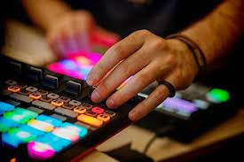 Also electronic production and design. Music Production Courses Chicago Il Coursehorse