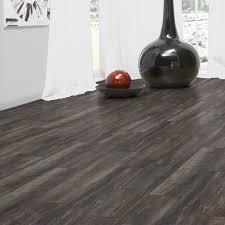 amazing egger 8mm shadow black oak laminate flooring for black laminate flooring