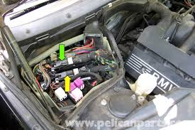 bmw e39 5 series engine management systems 1997 2003 525i, 528i E39 Fuse Box the engine control module (ecm or dme) (green arrow) is mounted in e39 fuse box location