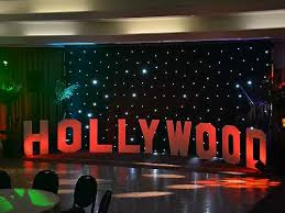 hollywood party decorations to make