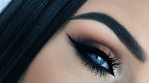 how can you prevent your eye makeup from smudging