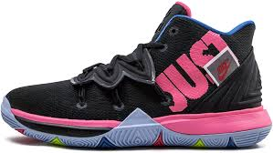 Free delivery and returns on select orders. Amazon Com Nike Kids Kyrie 5 Just Do It Basketball Shoe Gs Black Hyper Pink Volt 6 5 Big Kid Basketball
