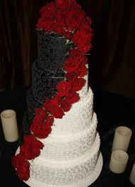 10 Black And White With Red Roses Wedding Cakes Photo Black And