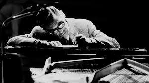 <b>Bill Evans</b> Trio - <b>Everybody</b> Digs <b>Bill Evans</b> (1958). - YouTube