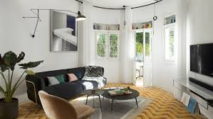 Bauhaus apartment in Tel Aviv renovated to highlight its history. Interior  designer ...