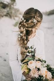 10 Coiffures Dans Le Vent Pour Une Mariée Bohème Et