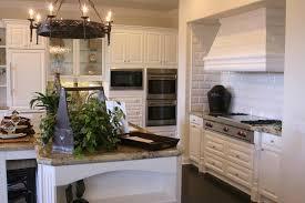 Weisse Küche Mit Dunkler Arbeitsplatte Kuche Verfuhrerisch Kuchen