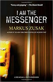 amazon com i am the messenger markus zusak books