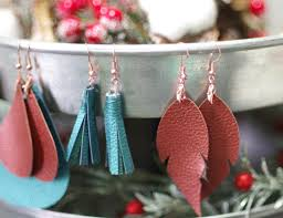 make faux leather earrings it s so easy easier than you think i m not much of a jewelry maker but these anyone can make these earrings
