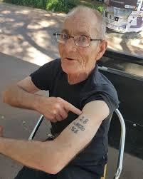 наглядно о том что будет с татуировками в старости Nurkz