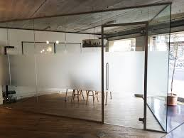 glass office wall. acoustic single glazed glass office partitioning wall