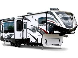 fifth wheel vs travel trailer toy haulers