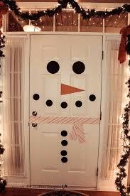 winter door decorating ideas. Snowman Door Decor. Creative Idea To Decorate Your Inside As A Snowman. So Winter Decorating Ideas
