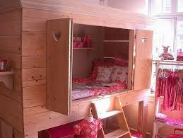 Okay, now this would be cool for the girl-twin's room. She has