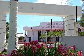 Resultado de imagen para ayuntamiento isla mujeres 2018