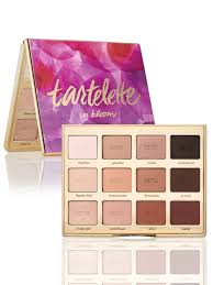 the pact palette is ideal for traveling it s a sy metal case that you can feel fortable tossing in your bag 39