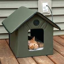 heated outdoor pet house kitty keep your cats warm this winter cat diy yo