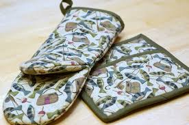 Oven Mitt Pattern Unique Potholder And Oven Mitt Sewing Novice Sewing Novice A Beginner's