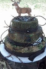 Deer Hunting Deer Hunter Grooms Cake Cake Ideas In 2019 Camo