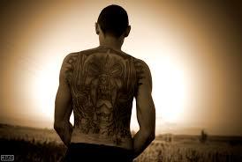 обои портрет татуировка сепия Linux стоящий назад Ubuntu