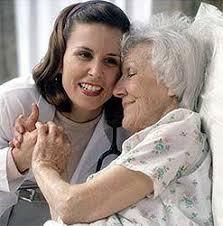 Особенности общения с окружающими в пожилом возрасте Общение с окружающими в пожилом возрасте