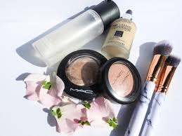 i ve thought quite hard about what this should be about so why not start at the beginning the beginning of my day my daily makeup routine and the