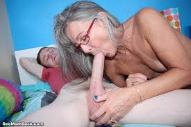 Perverted mom sucked the colossal cock of her step son Pichunter