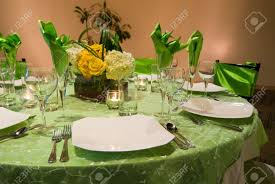 Setting A Dinner Table Table Setting For Dinner 5 Table Centerpiece Christmas Dinner