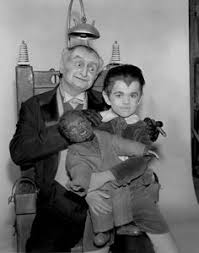 El Abuelo y Eddie Munster con el muñeco del <b>hombre</b> lobo!! in 2019 ...