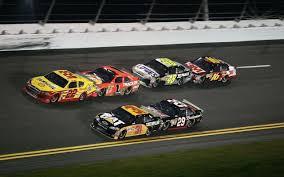 free desktop wallpaper of nascar racing cars