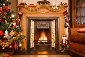 Ways to Spruce Up Fireplace for Christmas