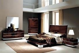 here are italian modern bedroom furniture