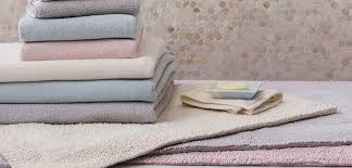 How To Choose Bath Rugs And Bath Mats  OverstockcomColorful Bathroom Rugs
