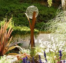 garden sculptures shape the landscape