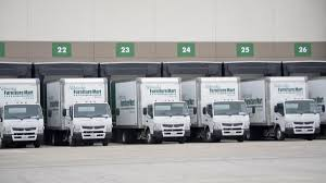 Nebraska Furniture Mart Bedroom Sets Furniture Mart Workers Make Their Way Through The Warehouse At