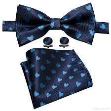 African American Bow Tie Designers Dark Blue Mens 100 Silk Bow Tie With Cyan Heart Shaped Pattern Designer Design Handkerchief Cufflinks Luxury Wedding Business Party Lh 833