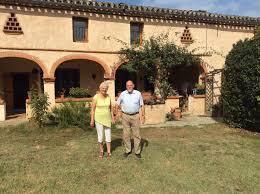 a la recherche d une maison gasconne pour y développer une activité de gîte la famille tombe sous le charme d une superbe ferme gasconne de 200 ans