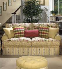 Plaid Living Room Furniture Cottage Floral Sofa Im Getting So I Just Adore Sofas Comprised