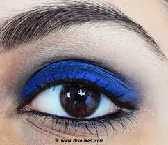 therefore the eyes stand out with a bold look this look is easier to carry off when you don t want to go dramatic and keep a cool balance between the eyes
