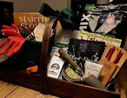 57 gardening gift basket ideas to