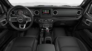 2020 jeep gladiator leather trimmed seats in leather black
