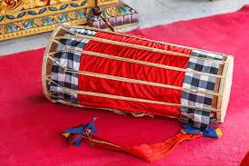 Kendhang wikipedia bahasa indonesia ensiklopedia bebas from upload.wikimedia.org alat musik tradisional daerah bengkulu ini memiliki. 10 Jenis Alat Musik Bali Yang Perlu Kamu Ketahui Bukareview