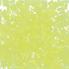 """<b>Бисер</b> Япония """"<b>TOHO</b>"""" BUGLE №2 3 мм 5 г <b>№0012</b> лимонный ..."""
