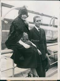 Amazon.com: Vintage Photos 1930 Leland Hayward Inez Gibbs Tx Colonel Bill  Beautiful Woman Ship 6X8: Photographs