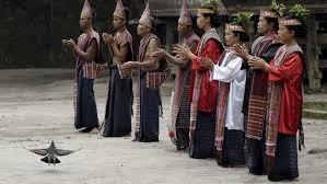 Poco poco lagu ni gondangna. Tari Tor Tor Sumatera Utara Tarian Batak Dengan Irama Menghentak
